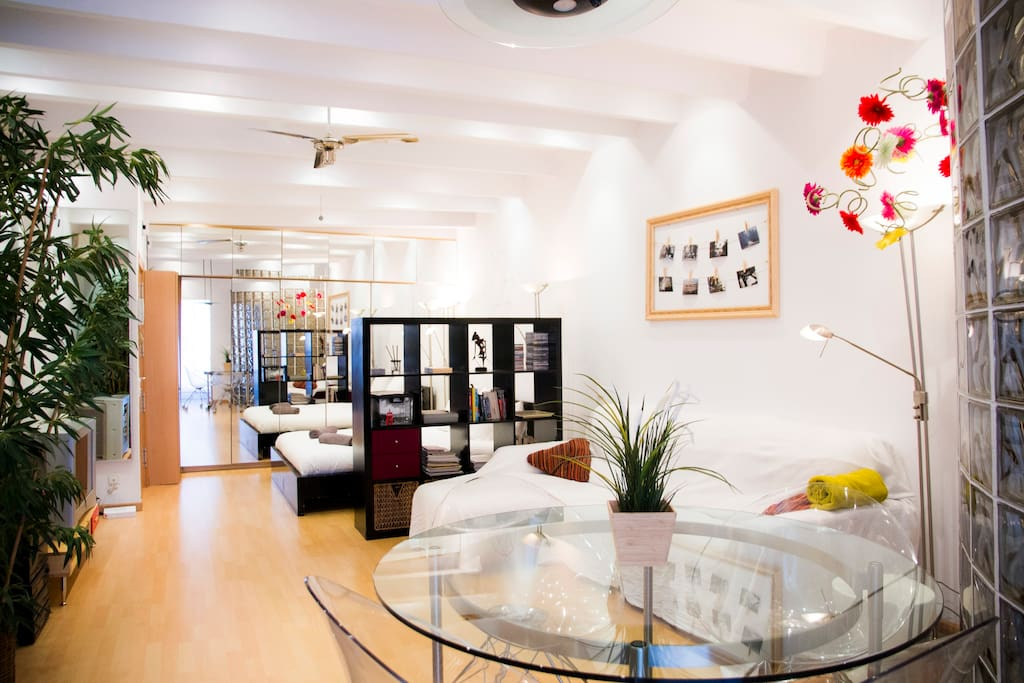 Super studio in heart of gracia apartments for rent in for Superstudio barcelona