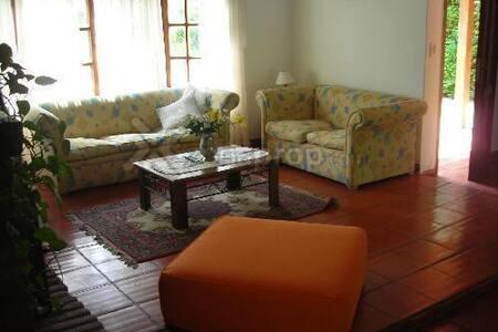 Casa Chalet *La Rosa*  en Country *Las Lajas*