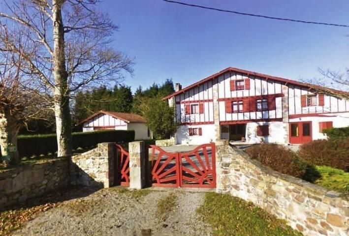 Appartement 95m2 dans ancienne ferme basque