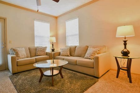 11201 Wonderful 1BR Suite-Lenexa! - Lenexa