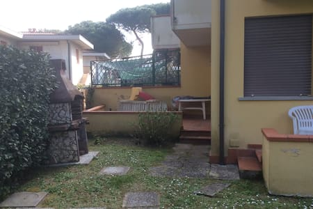 VILLETTA TIRRENIA - Tirrenia - House