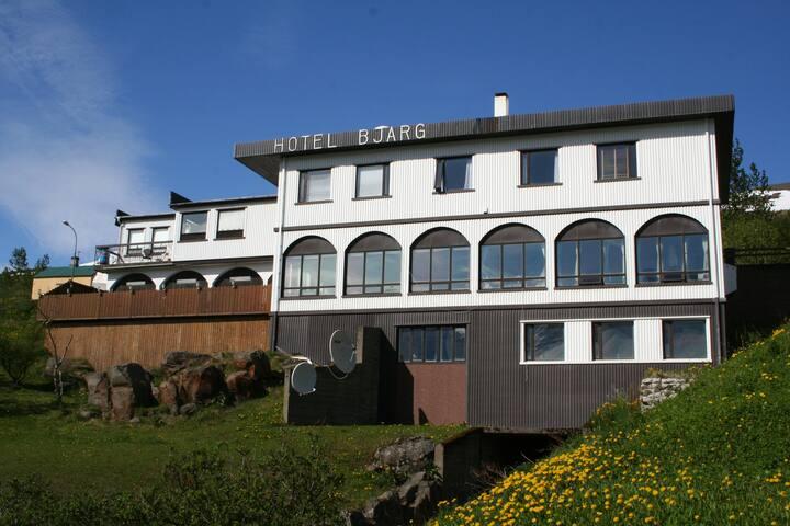 Hotel Bjarg - Fáskrúðsfjörður - Bed & Breakfast