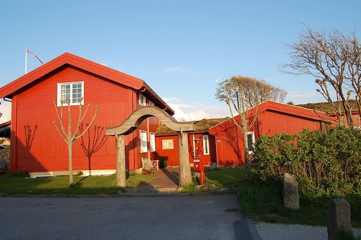 Midt i by og natur, 50 m. til fjord - Ringkøbing - Apartament