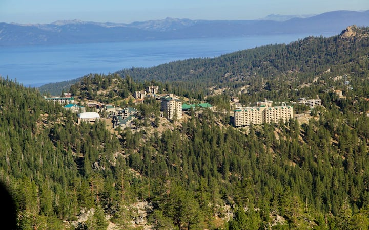 South Lake Tahoe Holiday Week Resort Experience