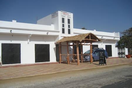 Maison Keur Latyr à Fimela Sénégal - Hus
