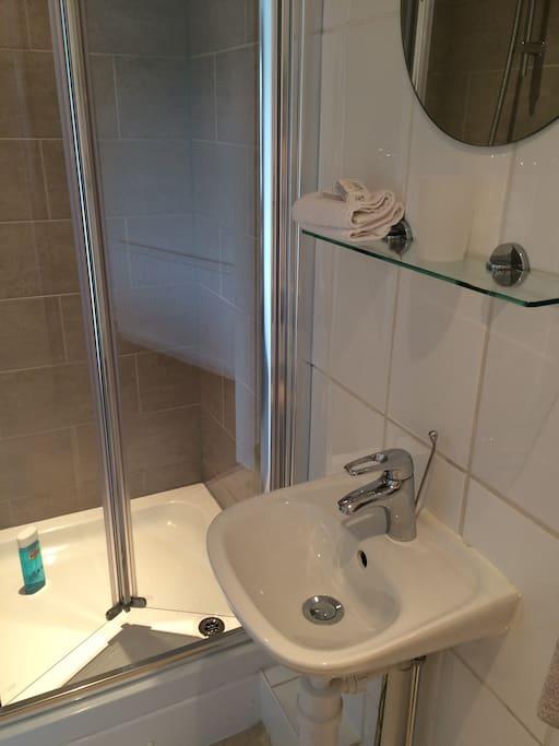 En-uite shower room/wc