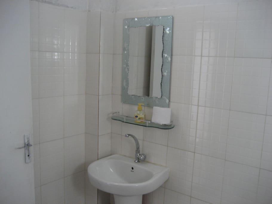 deuxième salle de bains