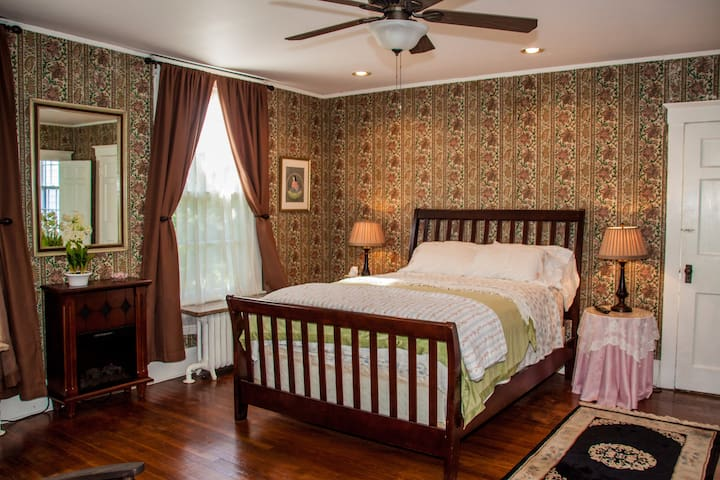 Aunt B's B & B: The Rose Bedroom - Cornwall - Casa