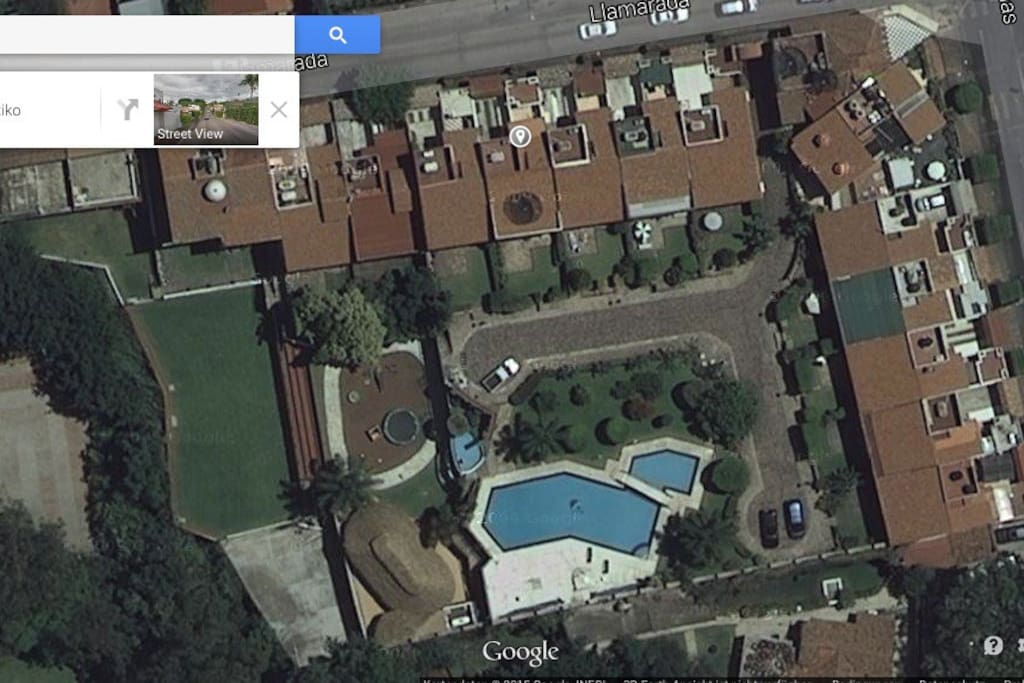 picture from google maps shows outdoor space