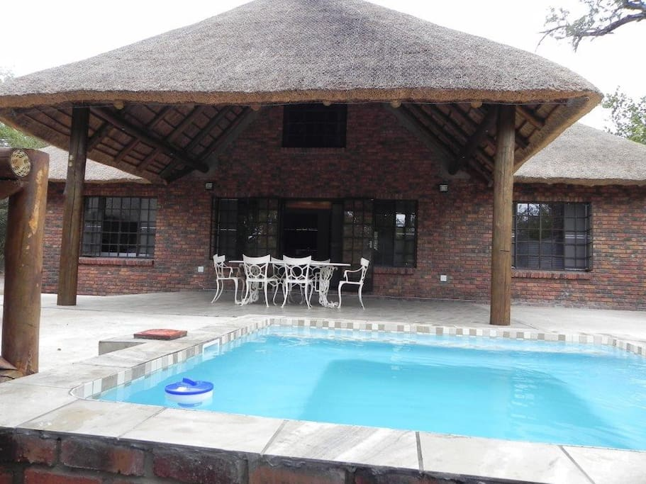 The  splash pool (3m x 3m)  and outdoor entertainment area