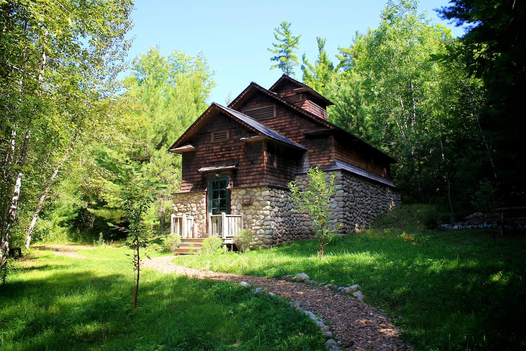Historic icehouse in 900 acres private wilderness for Keene valley cabin rentals
