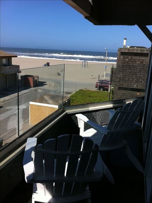 View from 2nd Floor deck looking out to the ocean.