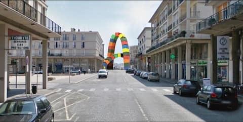 60 m2, 28 rue de Paris, calme, lumineux, tbe, mer.