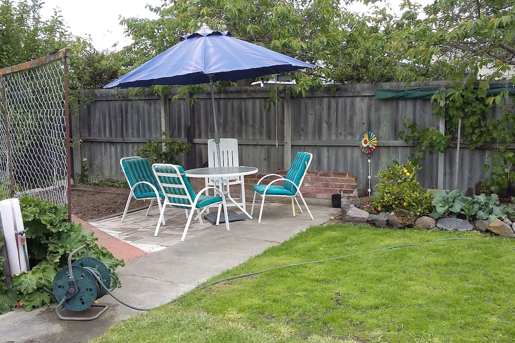 Outdoor area, great for Breakfast or relax anytime.