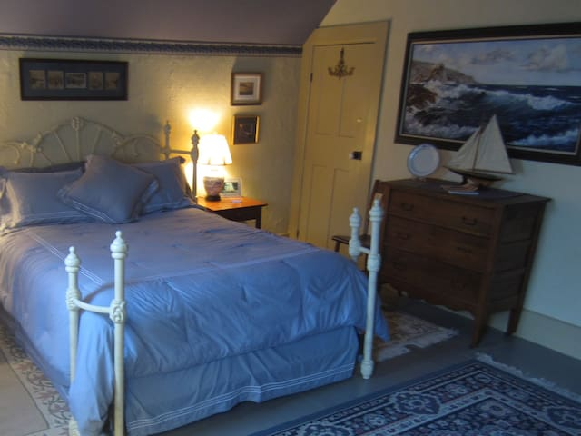 The Harbor Room (weekends) - Put-in-Bay - Bed & Breakfast