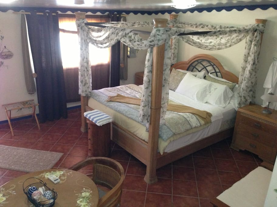 Standard King Room with kitchenette and full bath
