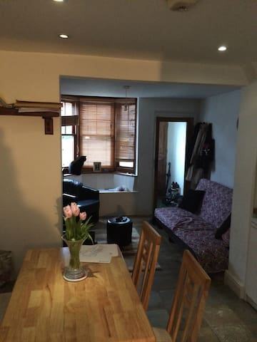 Lovely Cosy Cottage       (Central) - Brighton - Cabaña