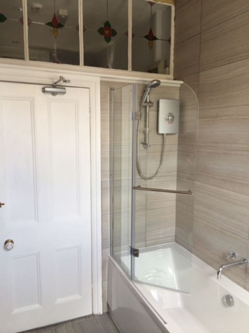 Modern private bathroom for twin room