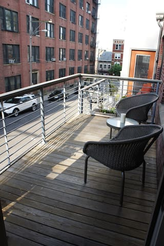 Urban OTR Townhouse w Outdoor Space - Cincinnati - Huis