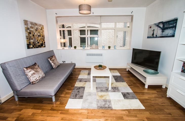 Spacious and Cosy / Chinatown / Gay village