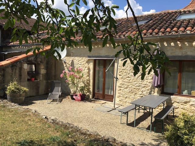 Gite Lavendel, Lot, France - Mauroux - House