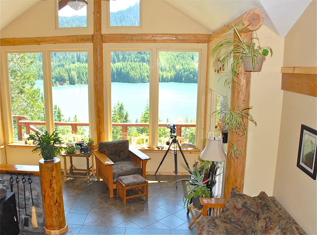 Double Diamond Lodge Vacation Rental - Oakridge