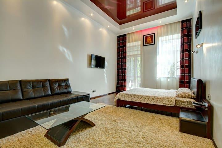 Люкс апартаменты в самом центре!!! - Odesa - Apartment