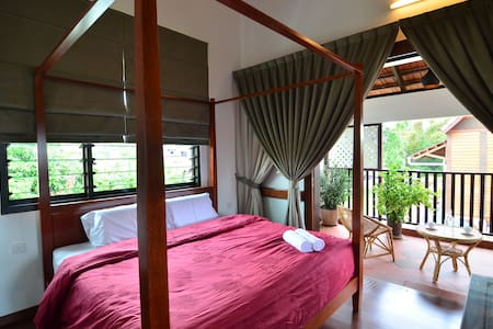 CENTRAL, GOOD VIEW, PRIVATE BALCONY - Malacca - Βίλα
