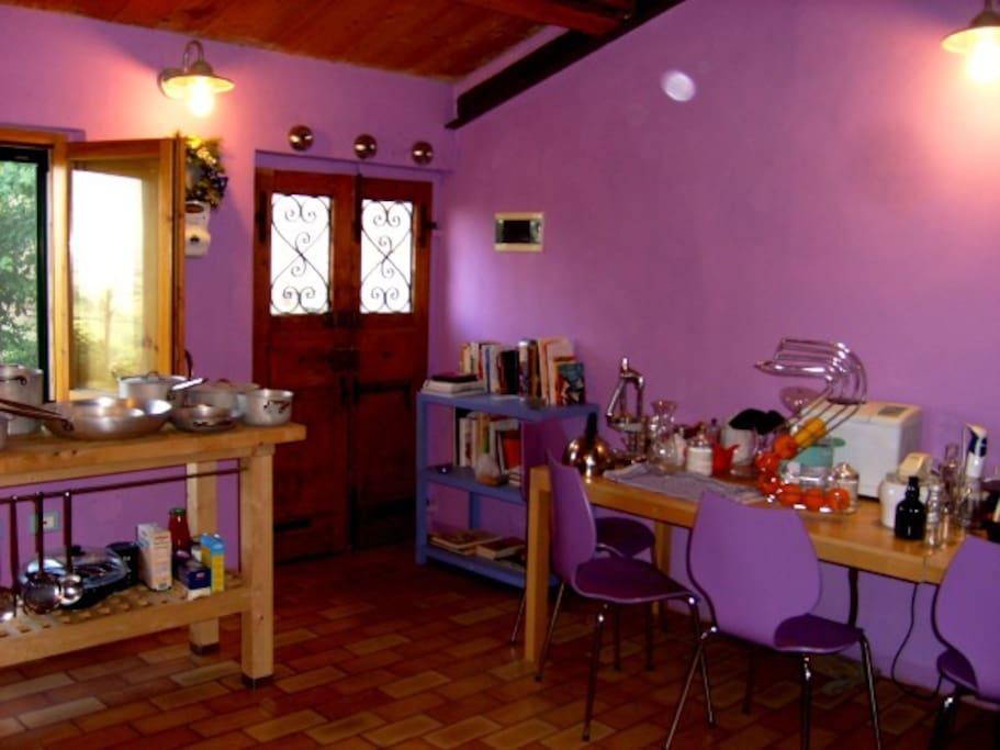 The Kitchen / La cucina