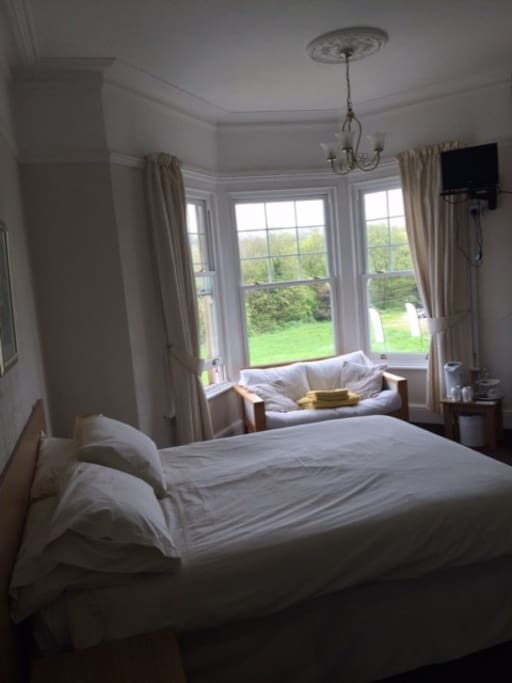 En-suite room, can accommodate 3 if required