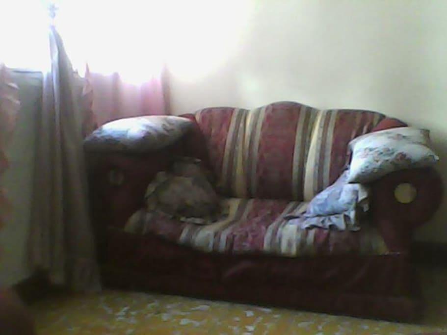 la sala de apartamento, quize que unicamente salliera el mueble grande.