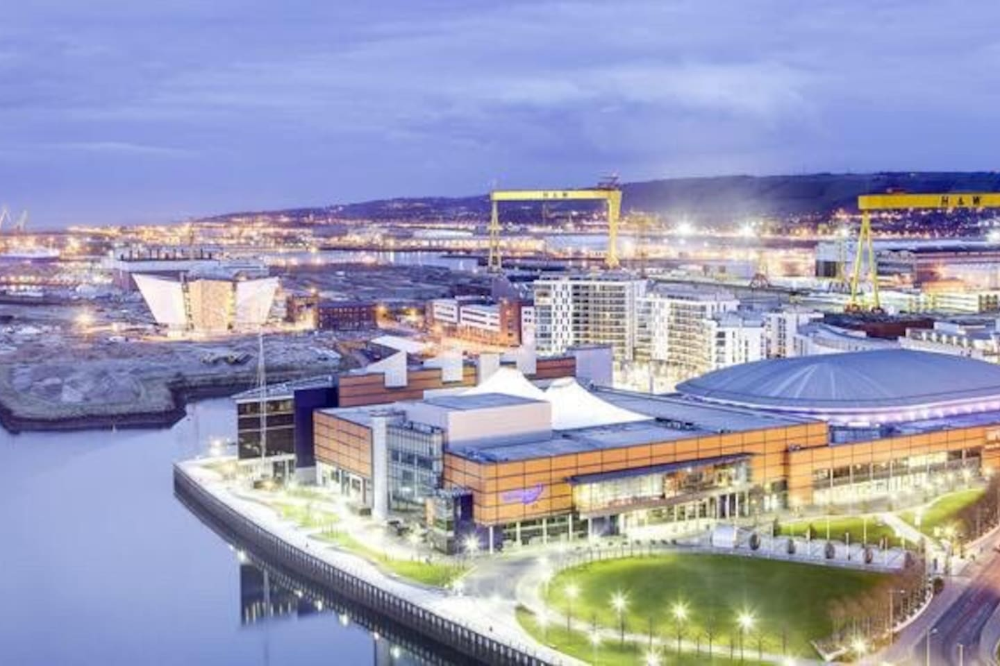 Within 5-10 mins in a taxi from popular tourist attraction Titanic Museum in Titanic Quarter, Belfast.