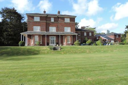 Victorian former rectory - Marlborough