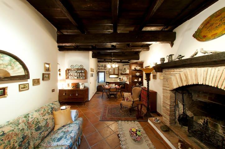 Casa Luisa nel Borgo di Mazzano RM - Mazzano Romano - Pis