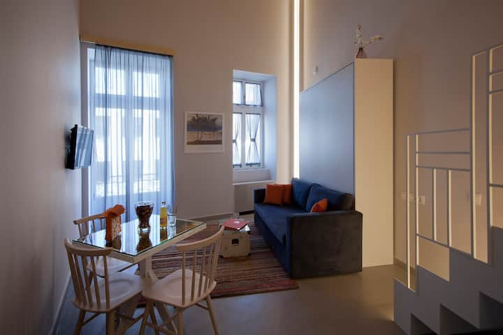 Suite with Barcony, Ermou str in heart of Athens