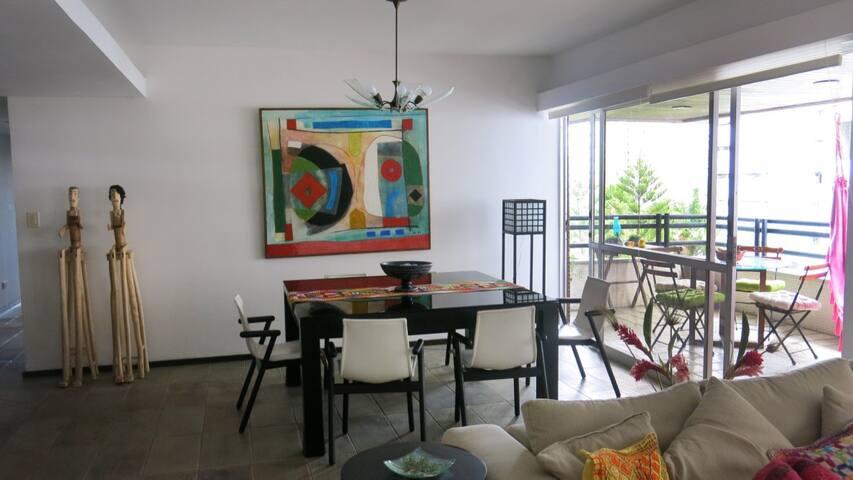Apartamento charmoso e com estilo, perto de tudo. - Recife - Apartment