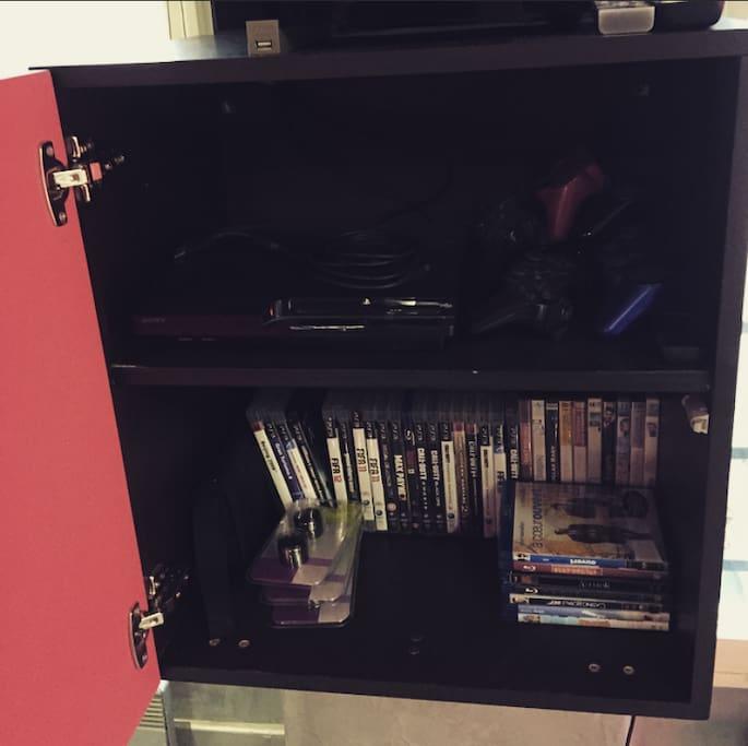 PS3, lecteur Blueray, DVD, DVD Blueray, TV TNT.