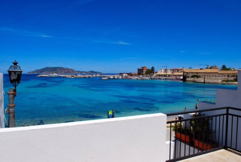 Vista mare - terrazzo affaccio La Praia