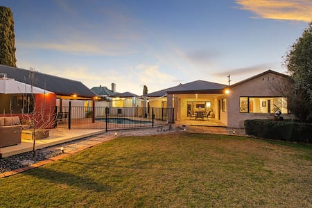 Private Oasis in the Centre of Mudgee - Casa