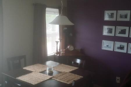 Spacious 1 Bedroom Cozy Apt - East Providence