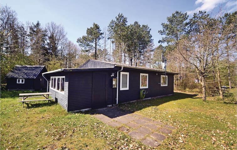 Holiday cottage with 2 bedrooms on 61m² in Ørsted