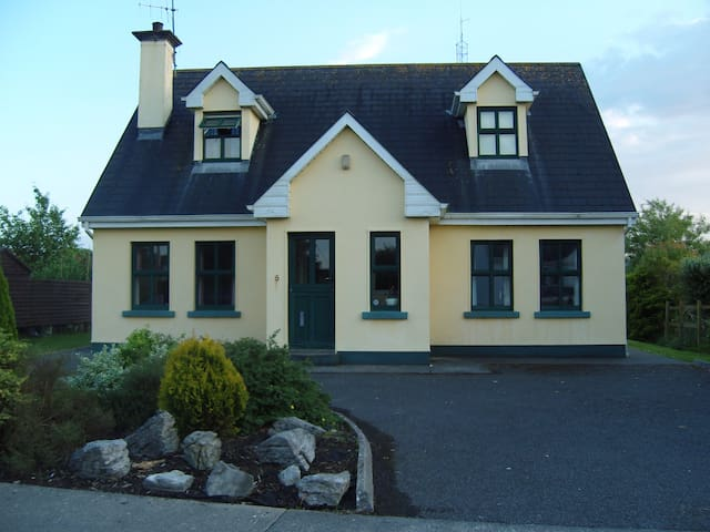 Holiday Home in Ballyvaughan - Ballyvaughan - House