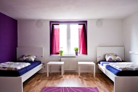 Female room with free breakfast - Slaapzaal