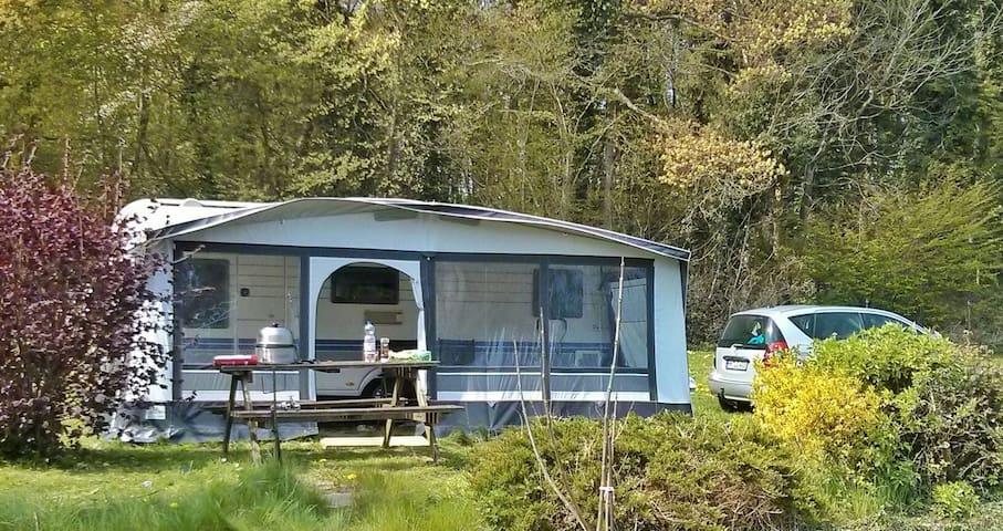 Caravan / Wohnwagen mit Vorzelt - Ascheberg - Trailer