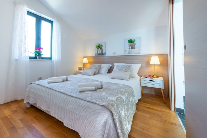 "Apartmant ""Mariposa"" - 2 Minutes to the Old town"