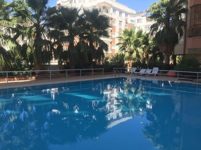 Antalya Liman da havuzlu daire
