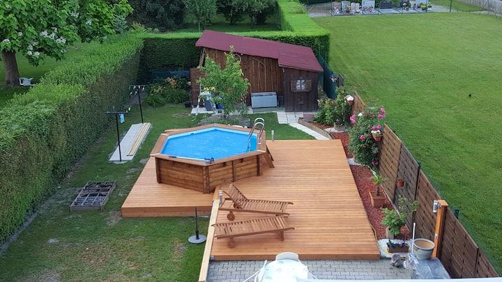 appt 37m2 très accueillant avec jardin et piscine
