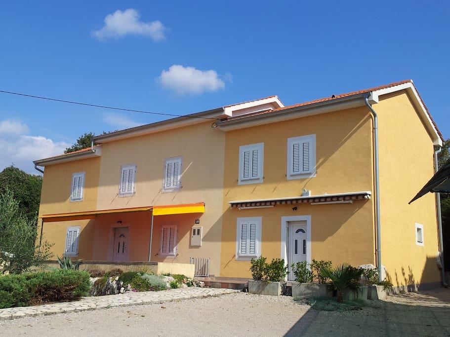 Ferienhaus Tramontana Sv.Vid mit 3 Apartments (SONJA 1 - 3)