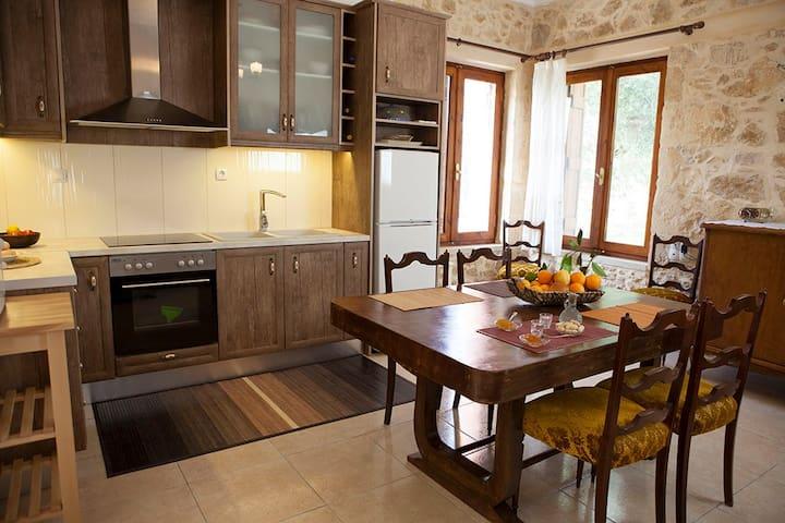 HORIZONTE Cretan cottage - Δραπανιας - Hus