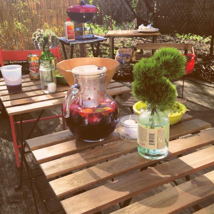 Dinner and drinks outside - added bonus!